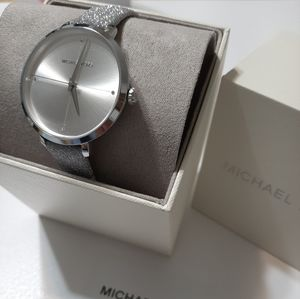 Nwt MK Silver Leather Watch